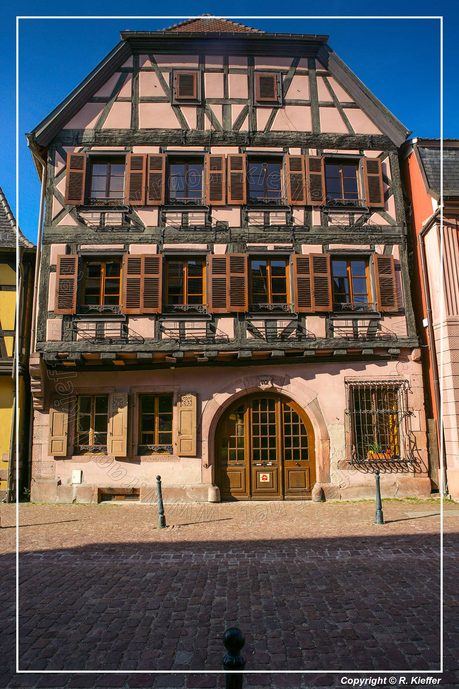 kaysersberg photo gallery kaysersberg lays north west of colmar on the eastern slopes of the. Black Bedroom Furniture Sets. Home Design Ideas