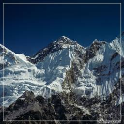 Khumbu (056) Everest (8848m)