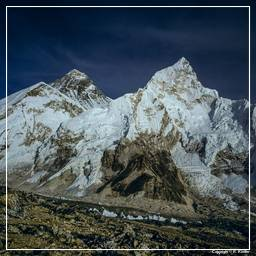 Khumbu (061) Everest (8848m) - Nuptse (7861m)